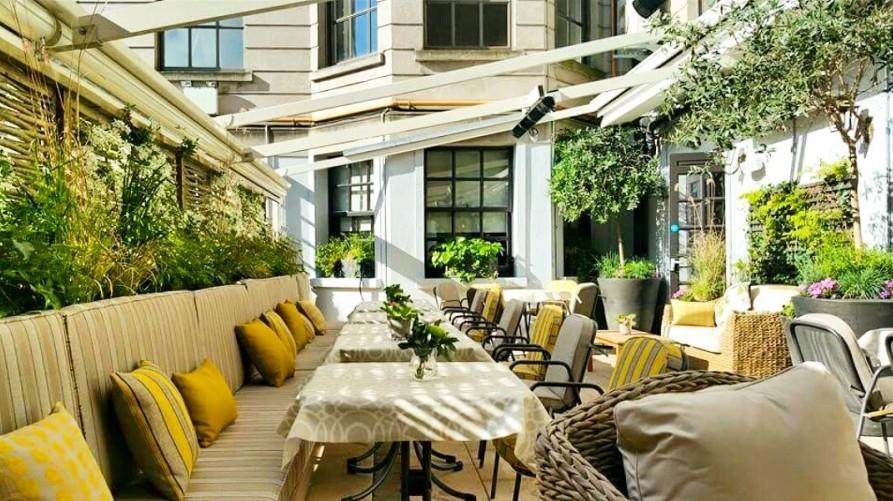 Dublin Restaurant/Bar Garden with Willow Fencing
